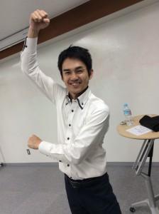 田村コーチ、これは何のポーズでしょうか?(笑)